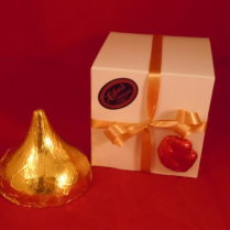 milk chocolate, smooch, chocolate gift, Valentine,kiss shaped chocolate