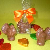Individually wrapped & decorated milk chocolate place setting turkeys