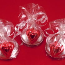 Kiss shaped solid chocolate Novelty with heart