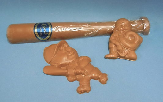 Solid Chocolate Baseball Players & Baseball Bat