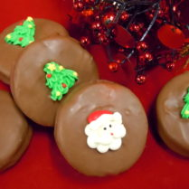 Delicious chocolate drenched Oreo Cookies decorated for the Holidays